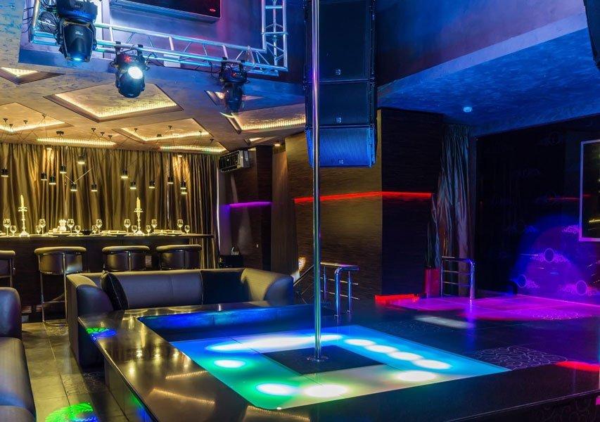 Silver Lights Book 1 - dance floor scene